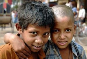 bangladeshi-meninos-de-rua